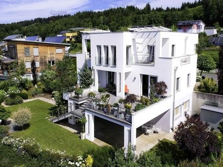 Klagenfurt - Emmersdorf: Moderne Villa mit Einliegerwohnung und traumhafter Aussicht