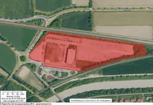 Zwangsversteigerung: Große Gewerbeimmobilie mit Parkplätzen u. Bauland