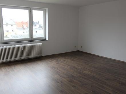TT Immobilien bietet Ihnen: Helle und freundliche 3-Zimmer-Mietwohnung mit Balkon in Heppens!