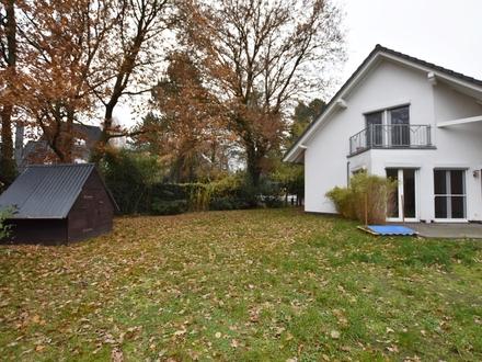 Bremen-Oberneuland: Großes Einfamilienhaus mit viel Platz zur Miete in begehrter Lage! Obj. 4972