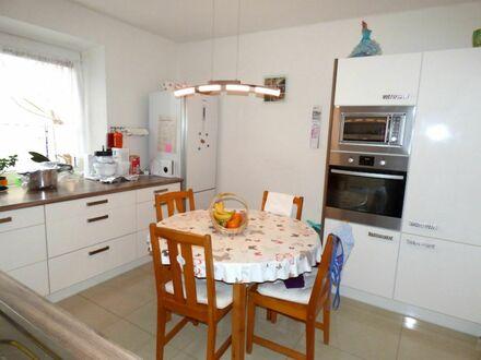 4 5 9. 0 0 0,- für 1 1 5 m² Doppelhaushälfte mit neuer Fassadensanierung und Bad in Laufamholz