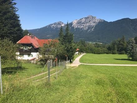 Geräumiges Wohnhaus mit kleiner ELW in Natur-Bergblick-Lage