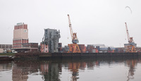 Häfen: Container, Stückgut und vereinzelt Menschen