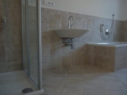 5 ZKB 114 m² 01.06. 160,- 850,- Türkheim Ortsmitte, 2tes OG, kleiner Blk....
