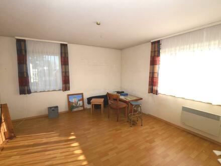 Bezugsfreie 3,5-Zimmer-Wohnung in Biberach - Weißes Bild