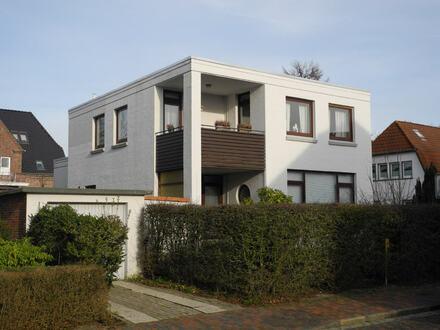 Vermieten und/oder selber wohnen - Zweifamilienhaus mitten in Jever!