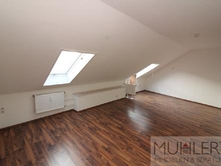 Gemütliche Dachgeschosswohnung in zentraler Lage!