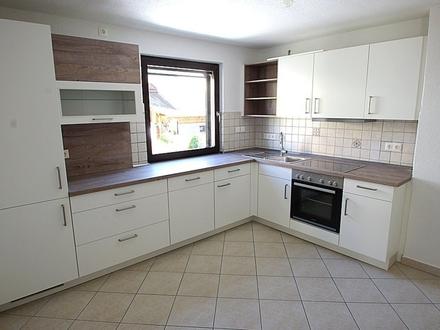 +++Reserviert+++ Sanierte, gepflegte 4,5-Zimmer-Wohnung mit Einbauküche und Schwedenofen