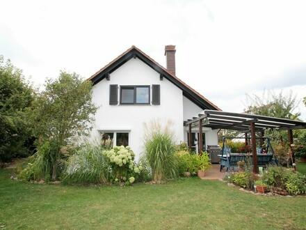 Sehr gepflegtes, großzügiges Einfamilienhaus in Niederotterbach zu verkaufen