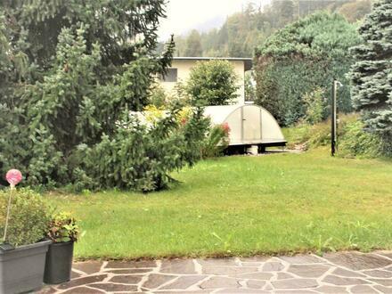 Ein Haus samt 1.400 m² Garten und Pool zum Entfalten und Wohlfühlen für´s vollkommene Familien-Glück