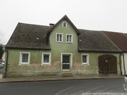 Stark sanierungsbedürftiges Häuschen im Orstkern von Plößberg zu verkaufen!