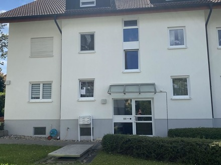 Gepflegte 3-Zimmer-Dachgeschoss-Wohnung mit Tiefgaragenstellplatz