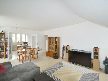 Hofheim- Exzellentes, urbanes Wohnerlebnis in charmanter 3-Zimmer DG-Wohnung