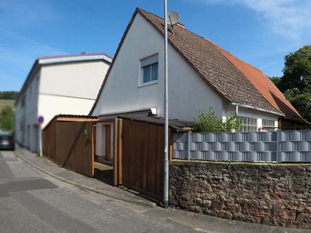 Gepflegte Doppelhaushälfte im Herzen von Bürgstadt