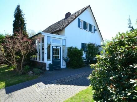 Liebevoll renoviertes Einfamilienhaus mit traumhaftem Garten in Bestlage von Delmenhorst