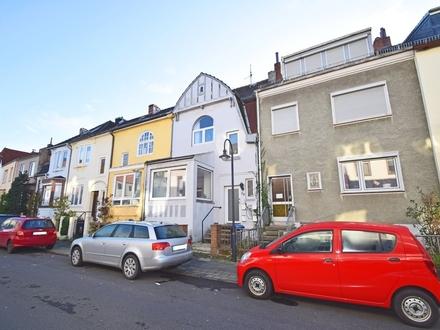 Walle / Kapitalanlage: Großzügiges Mehrfamilienhaus mit 4 Wohneinheiten