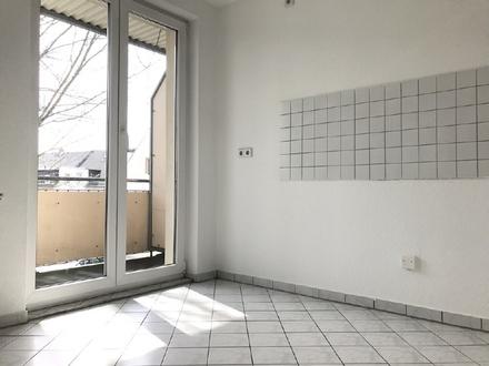 Sanierte 2 Raum Wohnung mit 2 Balkonen und Stellplatz in Hilbersdorf