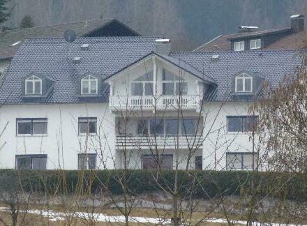 neuwertiges Mehrfamilienhaus in Traumlage von Zwiesel