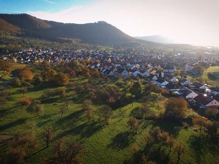 //Brunnenhof Beuren //Lehrerhaus //W2 //Maisonette //Gartenküche //Freude am Feinen //Erstbezug