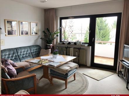 Hübsche und helle 2 1/2 Zimmer-Wohnung mit großem Balkon