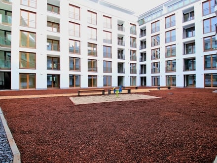 Erstbezug in Sachsenhausen! helle, moderne 4-Zimmerwohnung mit Garten und Küche!