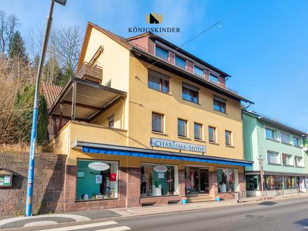 Großes 4-Familienhaus mit Ladenfläche und Potenzial im Herzen von Bad Liebenzell zu verkaufen