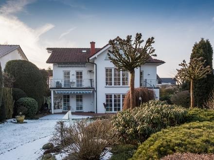 Modern und exklusiv - repräsentatives Ein- bis Zweifamilienhaus für höchste Ansprüche in Steinhagen