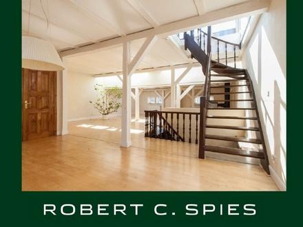 Traumhafte 4-Zimmer-Altbau-Wohnung mit besonderem Charme und großer Dachterrasse