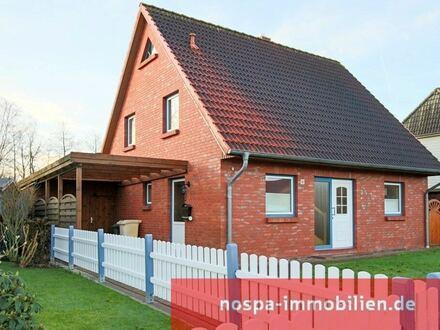 Sehr gut aufgeteiltes Einfamilienhaus mit Terrasse und Carport in Tönning
