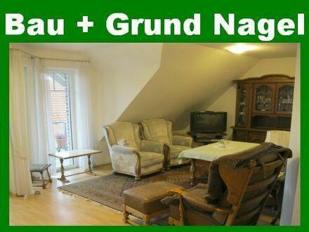 Provisionsfrei! Rollstuhlgerechte 2,5 Zimmer-Seniorenwohnung mit Balkon, Aufzug etc. im Zentrum. Einbauküche möglich!