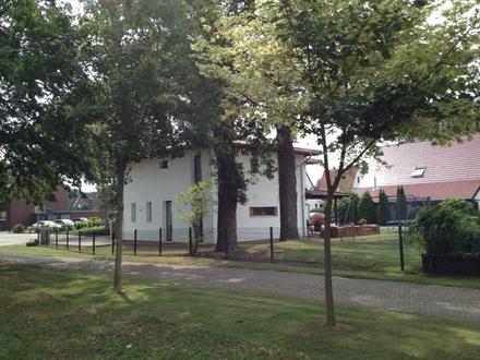 Mediteranes EFH in Bad Oeynhausen-Werste mit Doppelcarport und altem Baumbestand