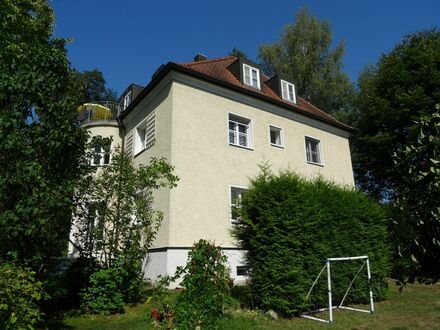 Parkgrundstück mit Villa als Mehr-Generationen-Haus mit Reserve-Baugrund für Ihre Kinder!