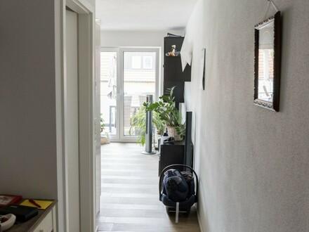 Neuwertige 2 Zi. Whg., 1. OG, 53 m2 in 85080 Gaimersheim, 14 m2 Süd-Balkon, inkl. Garage u. EBK, PRIVAT!