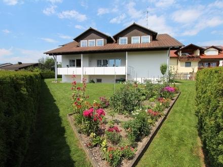 Topp-gepflegtes 1- bis 2-Familienhaus mit Doppelgarage in schöner Wohnlage