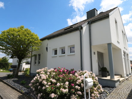 Neuwertiges modernes EFH, ELW, Kamin, D.-Garage, sonnige Blicklage in Heidenrod nur 4 min - Kemel !