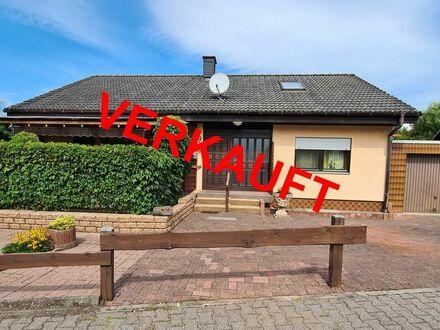 RB Immobilien – Einfamilienhaus mit ELW, Garage und 797 m² Grundstück, in Bockenau.