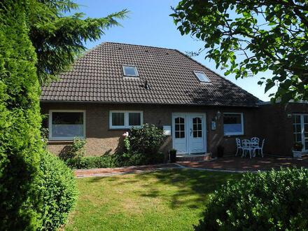 WOHNEN GENIESSEN: Geräumiges Wohnhaus mit Kachelofen