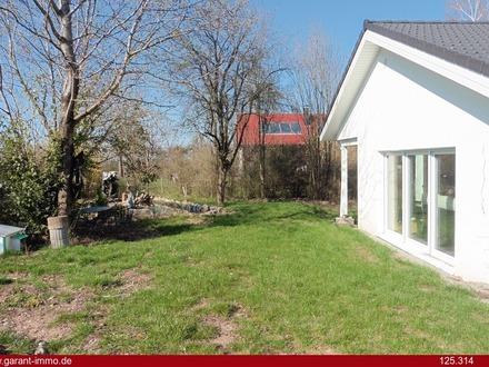 Absolutes Highlight! Neuwertiges Einfamilienhaus mit schöner Gartenoase - unbedingt anschauen!