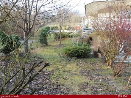Besondere 4 1/2 Zimmer-Wohnung mit großem Gartenbereich und TG-Stellplatz