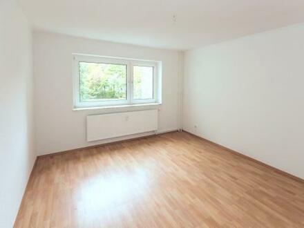 Ein Traum! Schöne, helle 3-Raum-Wohnung, ruhig gelegen + Gutschein*