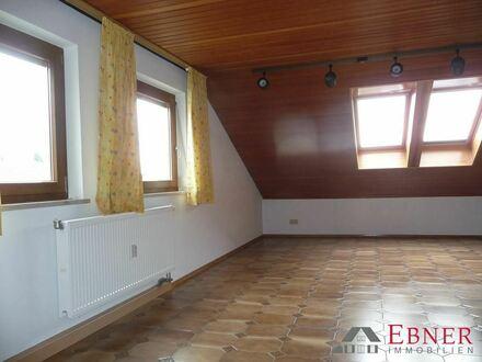 Geräumige 3-Zimmer Mansarden-Wohnung in Hengersberg zur Miete