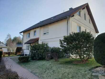 Wunderschöne 3-Raum- -Wohnung in Ebersbrunn mit Balkon und PKW-Stellplatz vor den Toren von Zwickau