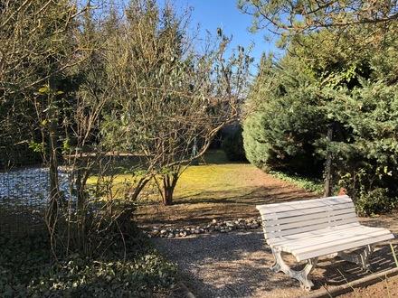 Herrlicher Sonnengarten - Einfamilienhaus (sanierungsbed.) mit Einliegerwohnung in Eltville