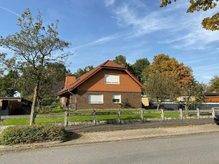 Großes 1-2 Familienhaus in Schloß Holte-Stukenbrock