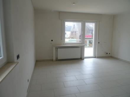 Modern renovierte großz. 3-Zi.-Wohnung im 3-Fam.-Hs. 1. OG 30 qm Dachterrasse GT-Kattenstroth