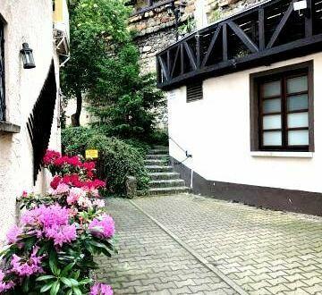 Denkmalobjekt - Kapitalanlage - Restaurant im Gewölbekeller - 3 Mietwohnungen und Ladenlokal