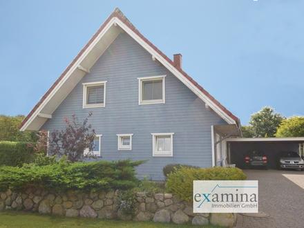 Modernes, geräumiges Holzhaus auf großem gepflegtem Grundstück! Photovoltaikanlage inklusive!