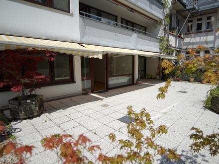 Frankfurt-Sachsenhausen! Repräsentative 3-Zimmer-Wohnung mit traumhafter Terrasse!