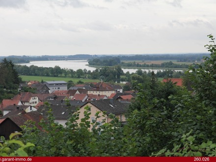 Rund 1.500 qm Hanggrundstück mit traumhaftem Donaublick