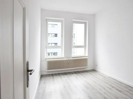 Wunderschöne 3-ZKB im Gründerzeithaus. Bald Einziehen - jetzt besichtigen, 1. OG. li, Deb.-Nr.70714